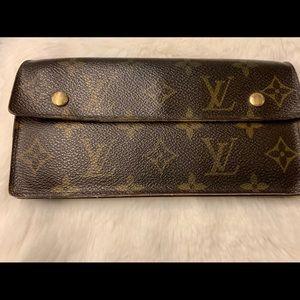 MG1006 Louis Vuitton Wallet